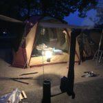 湯ノ原温泉オートキャンプ場でコールマンドームスクリーンタープ380バーガンディ張りました。